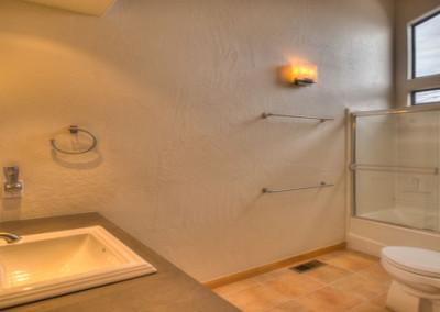bathroom-640